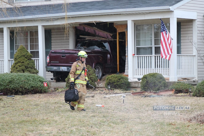 021913-car-into-house-04-we