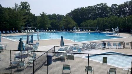 Potomac local pool guide 2011 potomac local for Memorial park swimming pool hours